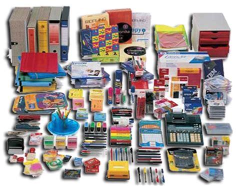 Materiale Cancelleria Ufficio - organizzare con cura l ufficio ordine sulla scrivania