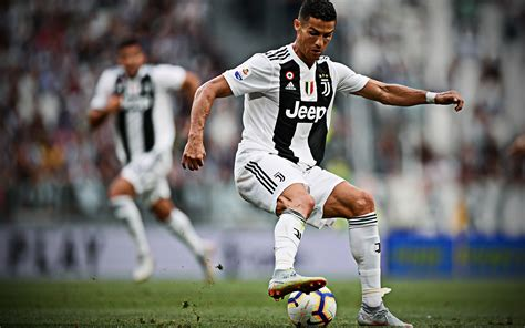 Download wallpapers Cristiano Ronaldo, 4k, CR7 Juve ...
