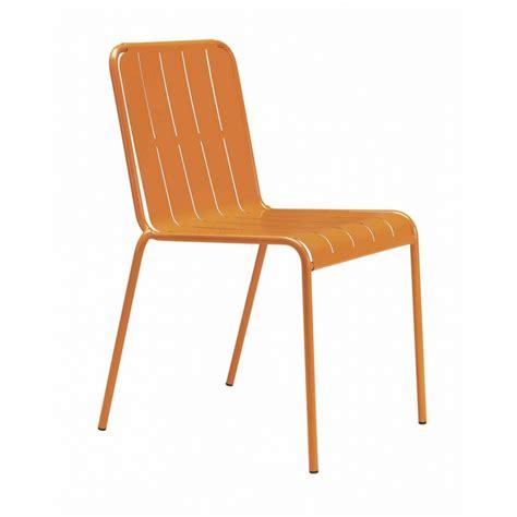 chaise aluminium exterieur chaise design métal ligne design mobiliers restaurant