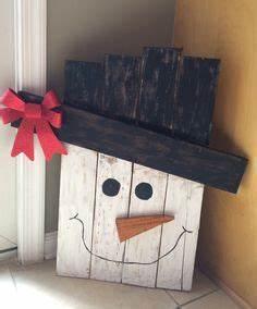 1000 ideas about Pallet Christmas Tree on Pinterest