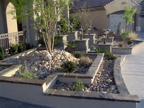 Amazing Rock Landscaping Ideas For Front Yard
