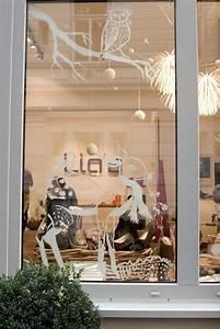 Fenster Bemalen Weihnachten : die besten 25 fenster auslagen ideen auf pinterest schaufenster schaufenster und schaufenster ~ Watch28wear.com Haus und Dekorationen