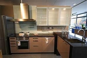 Arbeitsplatte Küche 4m : h cker musterk che ausstellungsk che ausstellungsk che in von ~ Michelbontemps.com Haus und Dekorationen