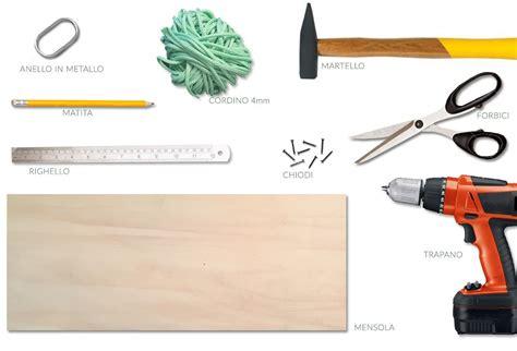 Come Costruire Una Mensola In Legno by Portariviste In Legno Fai Da Te Casafacile