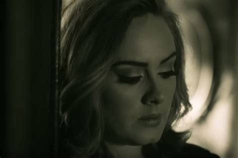 """Adele Scrapped A """"boring"""" Album About Motherhood Before"""