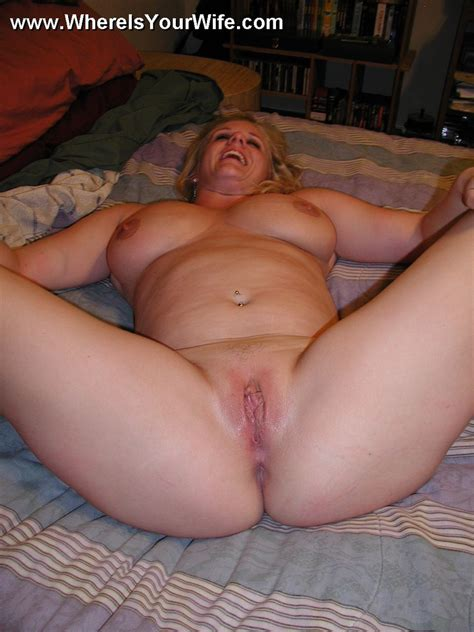 Awesome Busty Blonde Housewife Exposing Her Xxx Dessert