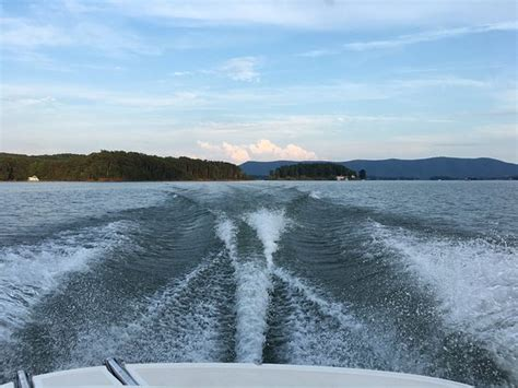 The surreal beauty of smith mountain lake and vicinity caught on camera. Smith Mountain Lake (Moneta) - 2020 All You Need to Know ...