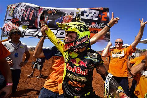 racing academy 2 that s eight mate antonio cairoli is crowned 2014 fim