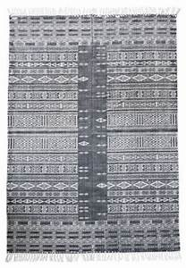 tapis julia 160 x 230 cm gris blanc house doctor With tapis house doctor
