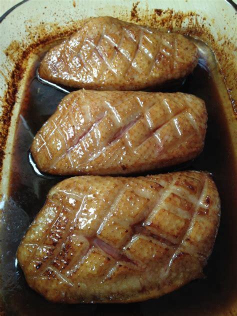 cuisiner magret de canard au miel magret de canard laqué au curry et ananas a table