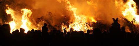 lewes bonfire night britain explorerbritain explorer