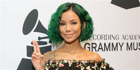 Ouch! Here's The Painful Af Beauty Treatment Jhené Aiko