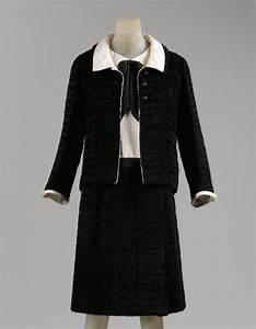 Coco Chanel 1883-1971 Cocktail ensemble | Victorian Design ...