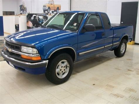 Sell Used 2001 Chevrolet S10 Zr2 Extended Cab Pickup 3