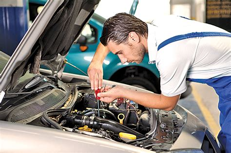 what are the characteristics of a auto repair mechanic