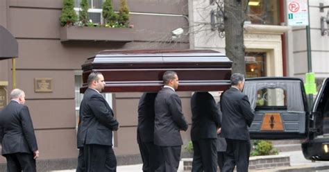 lwren scotts coffin moves  hollywood funeral home ny