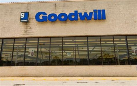 Goodwill Centerville by Centerville Thrift Store Donation Center In Snellville