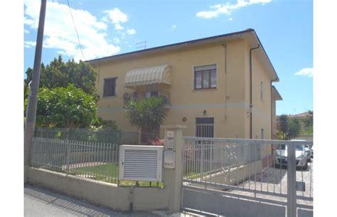 Affitto Appartamenti Marina Di Massa by Privato Affitta Appartamento Vacanze Appartamento A