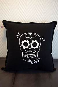 Coussin Tete De Mort : 17 meilleures id es propos de textiles mexicains sur pinterest mod le mexicain couleurs ~ Teatrodelosmanantiales.com Idées de Décoration