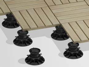 Terrasse sur plots prix et pose habitatpresto for Comment poser des dalles autour d une piscine 14 quel support de terrasse bois choisir