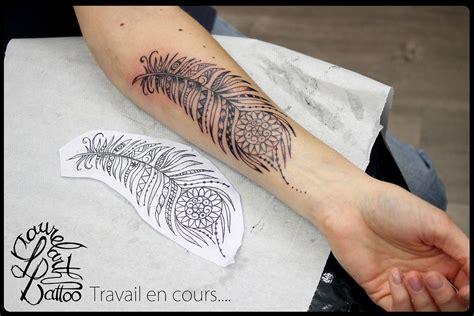 tattoo tatouage avant bras plume paon maori villefranche