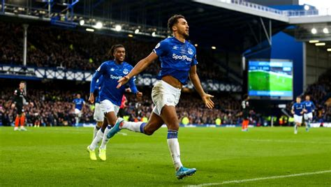 For an opening fixture of the premier league season this was some statement: Everton 3-1 Chelsea: Report, Ratings & Reaction as Calvert ...