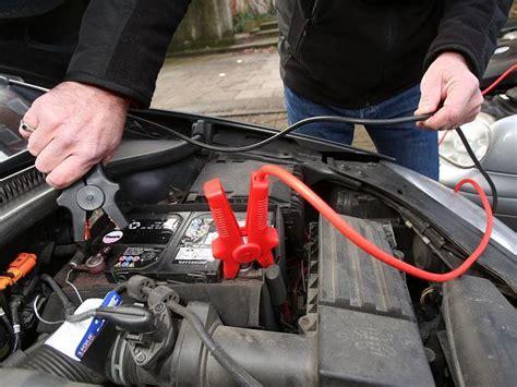 autobatterie laden ohne ausbau anleitung eine leere autobatterie richtig laden