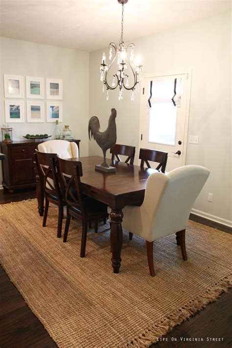 Decoration Dining Rug Carpet In Dining Room Design
