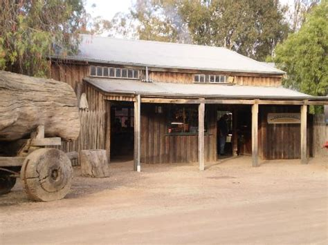 Boat Shop Echuca by World Charm Picture Of Port Of Echuca Discovery