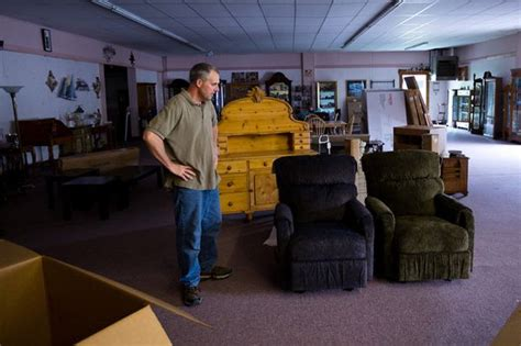 furniture stores in saginaw mi coles furniture store in mount morris closes after 62