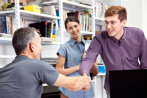 Tips For A Successful Employee Onboarding Experience