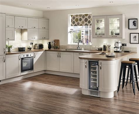 Soft Kitchen Flooring Options For Outstanding Remodeling
