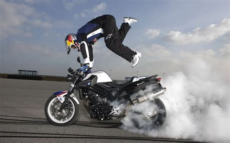 Bmw F 800 R Backgrounds by Bmw F 800 R Drawing Stunts Wallpapers And Images