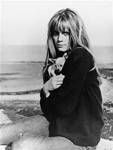 Accident Francoise Dorleac : 17 best images about francoise dorleac on pinterest catherine deneuve floppy hats and helmut ~ Medecine-chirurgie-esthetiques.com Avis de Voitures