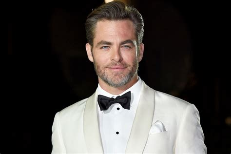 Chris California by See Chris Pine S Adorable New Pit Bull