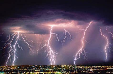 gambar petir kilat terindah  terbesar  dunia