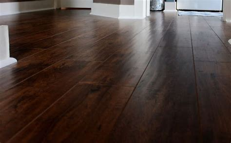 Sams Club Handscraped Laminate Flooring by Best 25 Laminate Floors Ideas On
