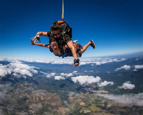 sky dive skydive cairns jump for your new skydive