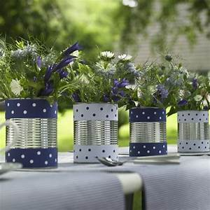 Deko Für Vasen : blau wei e sommer deko f r den garten bord ren alte dosen und deko vasen ~ Indierocktalk.com Haus und Dekorationen