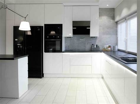 decoracion en blanco  negro   ambiente multifuncion