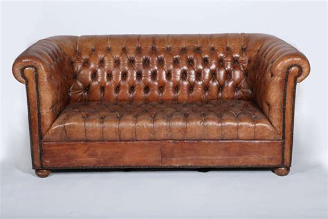 tufted chesterfield sofa leather tufted chesterfield sofa at 1stdibs