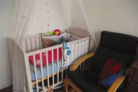 chambre bébé alibaby dans la chambre de la vikingpapa panique