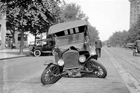 The World's First Car Accidents Ever