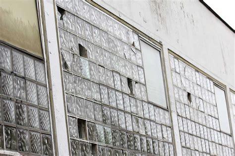 Einfach Verglaste Fenster. Alte Einfach Verglaste Fenster