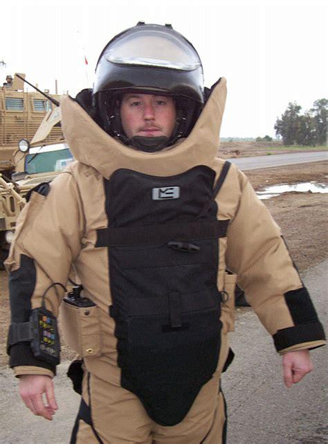 Advanced Bomb Suit - Wikipedia