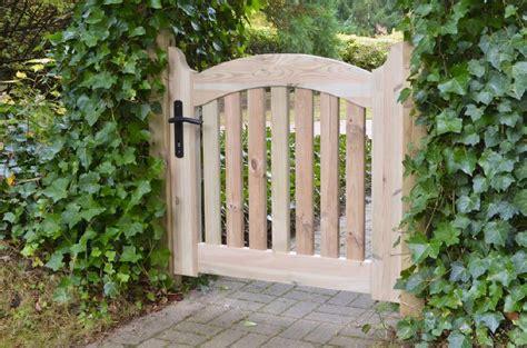 Gartenzaun Tor Holz by Hochwertige Gartentore Und Einfahrtstore Aus Holz