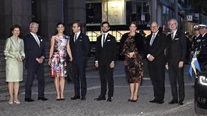 Actualité Famille Royale : la famille royale de su de au concert hall de stockholm noblesse royaut s ~ Medecine-chirurgie-esthetiques.com Avis de Voitures