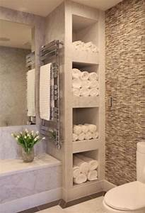 Organizing and storing bathroom towels 3 ways and 18 for Storing towels in the bathroom