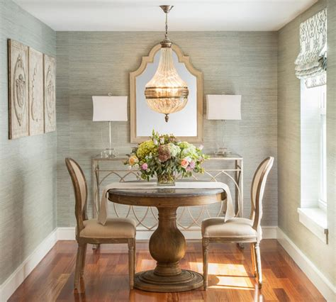 How To Decorate Simple And Small Dining Room