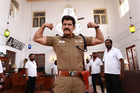I put out a trollish tweet. Saamy 2 review - (Saamy square) a fun, fast, action flick ...